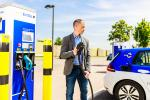In the first nine months of 2021, 40.7 per cent of new registrations had an alternative drive. (Quelle: EnBW)